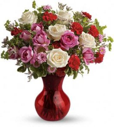 Splendid in Red Bouquet with Roses